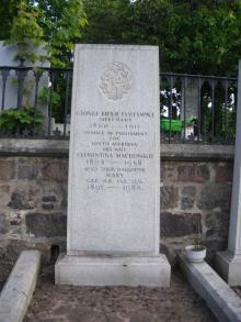 Gravestone in Allenvale Cemetery