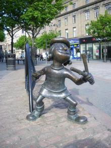 Statue of Minnie the Minx