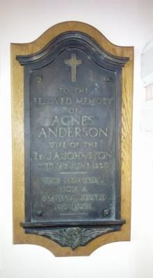 Plaque to Agnes Anderson