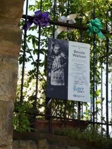 Plaque to Bessie Watson at 11 Vennel, Edinburgh