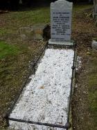 Plaque to Jean Thomson Harris at Newington Cemetery, Edinburgh